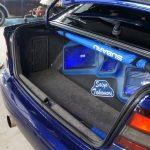 много звука в багажнике